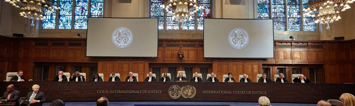 The International Court of Justice (ICJ), principal judicial organ of the UN, delivers its Judgment in the case of Obligations concerning Negotiations relating to Cessation of the Nuclear Arms Race and to Nuclear Disarmament (Marshall Islands v. India) on 5 October 2016, at the Peace Palace in The Hague, the seat of the Court. The decision concerns solely the questions of the jurisdiction of the Court and admissibility of the Application. Session held under the presidency of Judge Ronny Abraham. The Court's role is to settle, in accordance with international law, legal disputes submitted to it by States (its Judgments are final and binding) and to give advisory opinions on legal questions referred to it by authorized UN organs and agencies. Its official languages are English and French. ICJ news and archives can be accessed via www.icj-cij.org  La Cour internationale de Justice (CIJ), organe judiciaire principal des Nations Unies, rend son arrêt en l'affaire Obligations relatives à des négociations concernant la cessation de la course aux armes nucléaires et le désarmement nucléaire (Iles Marshall c. Inde) le 5 octobre 2016, au Palais de la Paix, à La Haye, où la Cour a son siège. La décision porte exclusivement sur les questions de la compétence de la Cour et de la recevabilité de la requête. Séance publique tenue sous la présidence de M. Ronny Abraham. La Cour est le seul des six organes principaux de l'ONU à ne pas avoir son siège à New York. Sa mission est de régler, conformément au droit international, les différends d'ordre juridique soumis par les Etats (ses arrêts sont sans appel et obligatoires pour les Parties) et de donner des avis consultatifs sur les questions juridiques que lui posent les organes et les institutions de l'ONU autorisés à le faire. Pour en savoir plus: www.icj-cij.org